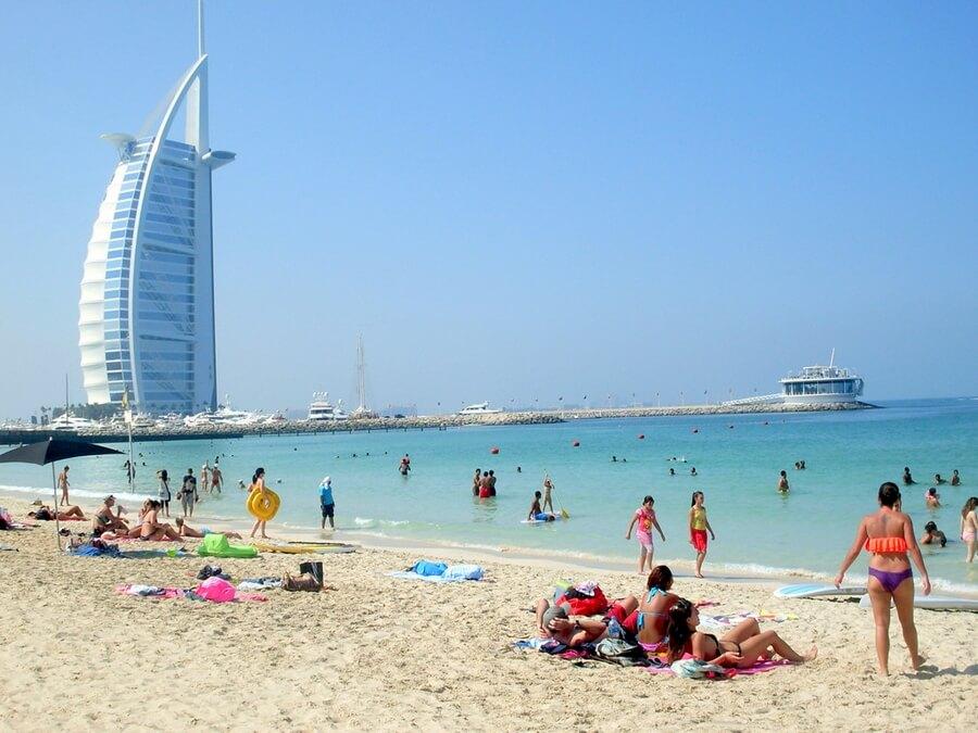 mặc gì khi du lịch Dubai
