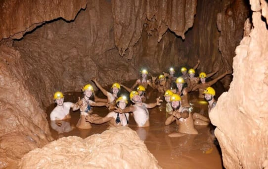 One day tour on the Dark Cave and Paradise Cave in Phong Nha - Ke Bang