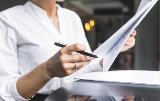 Ưu và nhược điểm của việc tự làm hồ sơ xin visa du học Mỹ
