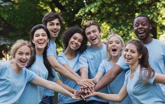 Đi du học Mỹ cấp 3 nên chọn trường nội trú hay gia đình host?