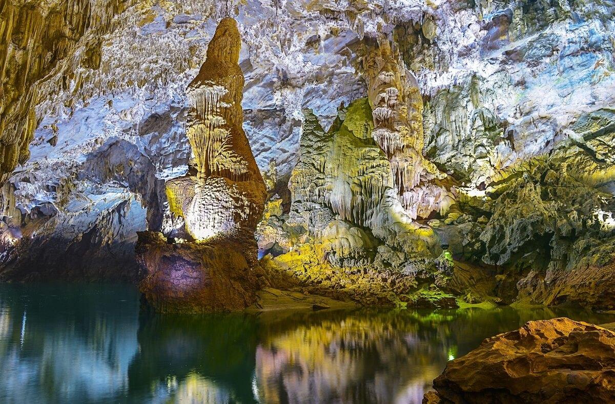 Khám phá vẻ đẹp vượt thời gian với tour hành trình di sản miền Trung