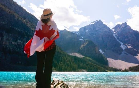 Đối tượng nào được nộp đơn xin cấp visa Canada 10 năm? Thủ tục ra sao?